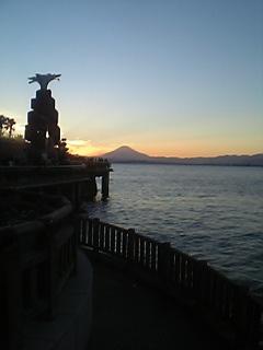 弁天橋から望む夕日